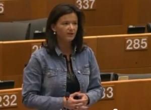 Tanja Fajon na plenarnem zasedanju o stanju na otoku Lampedusa